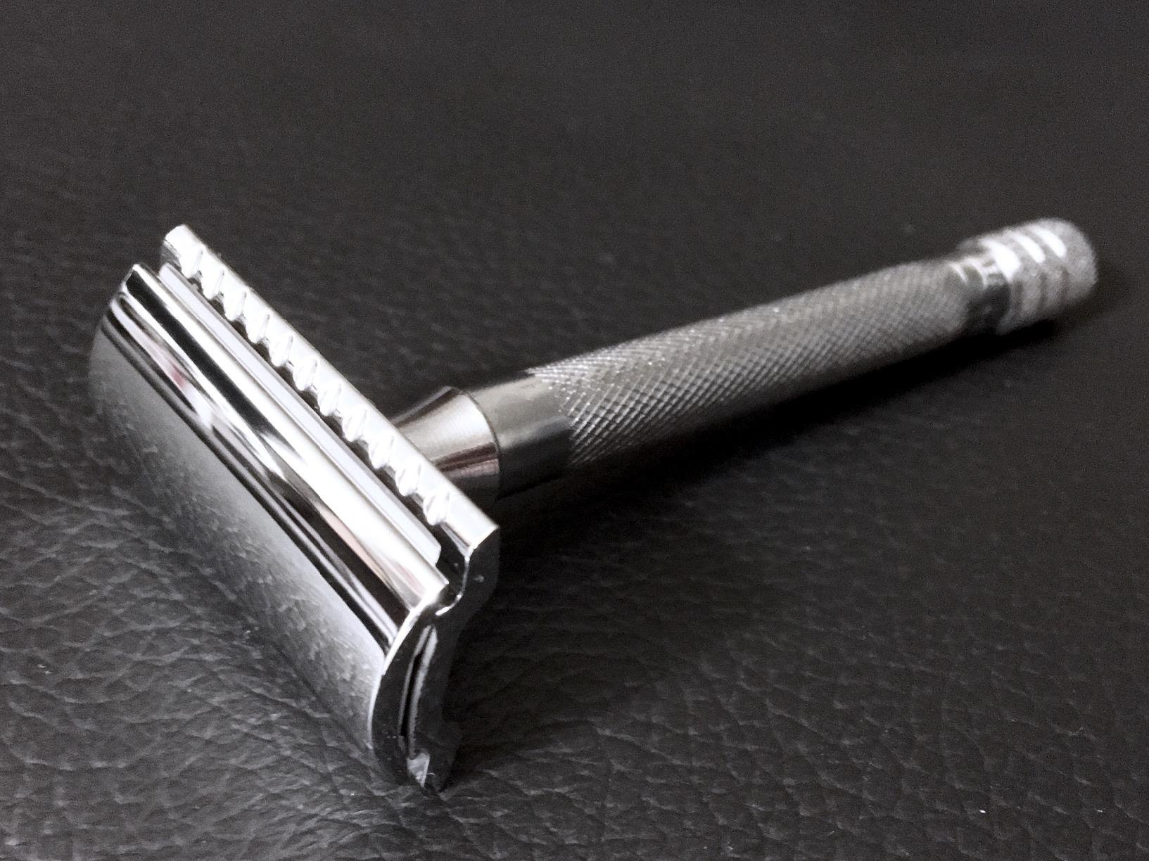 Merkur Long Handled Safety Razor Review   23C