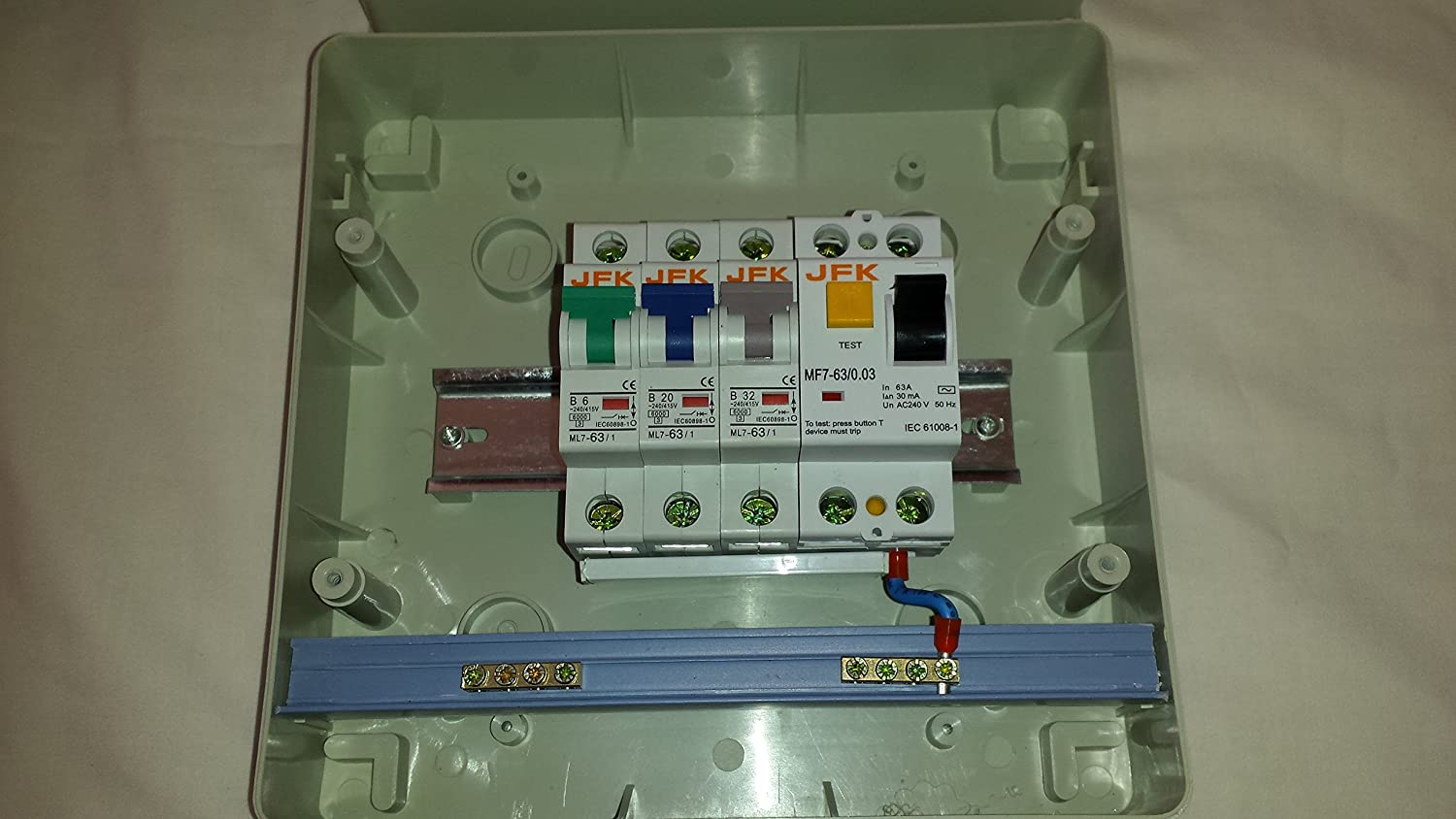 Garage Consumer Unit Ip65 3 Way Fuse Box Fitted With Rcd 63amp 30ma Domestic 62032amp Mcbs Welcome