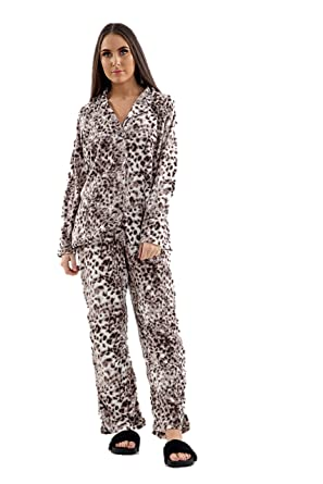 895550be22 Ladies Fleece PJs Long Sleeve Pyjama Set Leopard Animal Print Ex Store  Womens PJ Set Plus Size Animal Print Nightwear Lounge Xmas Gift Brown   Amazon.co.uk  ...