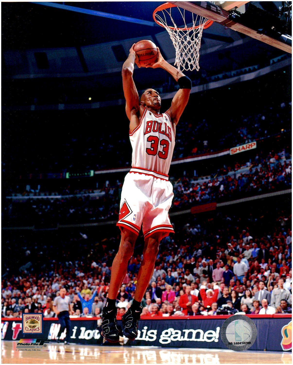 Scottie Pippen Chicago Bulls Unsigned Licensed Basketball Photo