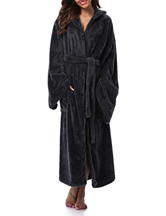 VOGMATE Womens Winter Robe Long Lightweight Kimono Robe Bathrobe Hood Coral  Velvet Warm Dressing Gown  Amazon.co.uk  Clothing 6ebee1733