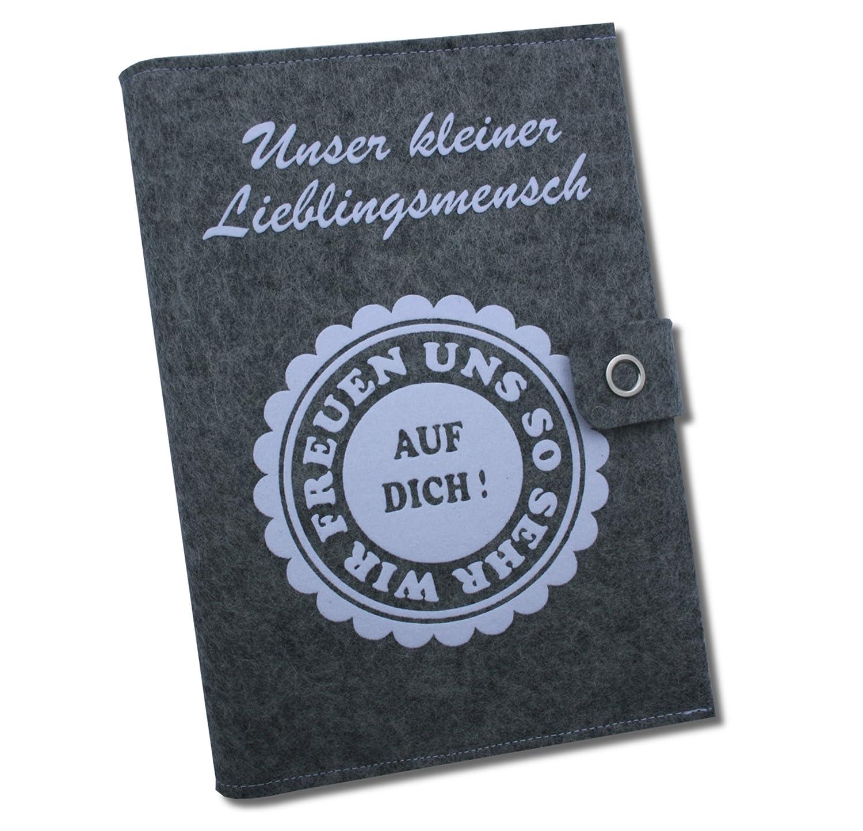 """Mutterpassh/ülle Deluxe /""""Unser kleiner Lieblingsmensch/"""" mit extra F/ächern und Verschluss aus 100/% Wollfilz Grau//Wei/ß in deutscher Handarbeit gefertigt"""