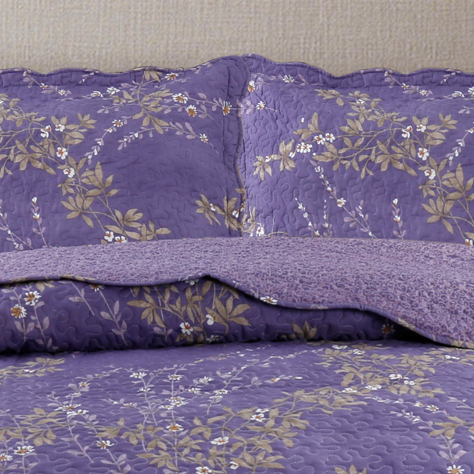 Kasentex Country-Chic Printed Pre-Washed Set. Microfiber Fabric Floral Design Quilt + 2 Shams, KING 104X90+20X36 X2, Purple by Kasentex (Image #4)