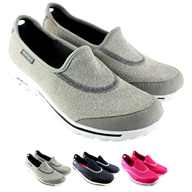9f244db490f Skechers Women s Go Walk 2 Gymnastics Shoes  Amazon.co.uk  Shoes   Bags