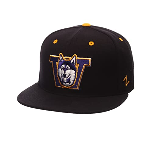 426f16d07436a3 Amazon.com : Washington Huskies Official NCAA Slider Size 7 Fitted ...
