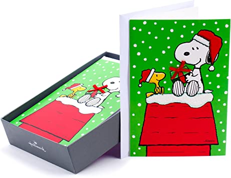 Amazon Com Hallmark Peanuts Boxed Christmas Cards Snoopy 16 Cards And 17 Envelopes Office Products