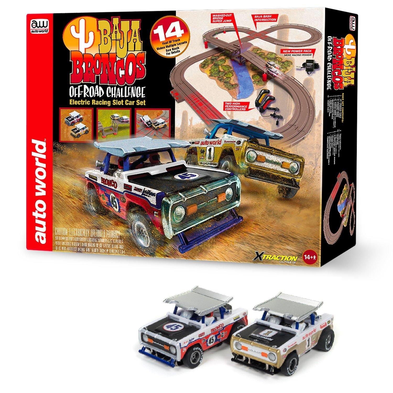 Auto World SRS322 14′ Baja Broncos Off-Road Challenge Slot Car Set by TeamWorks (Image #1)