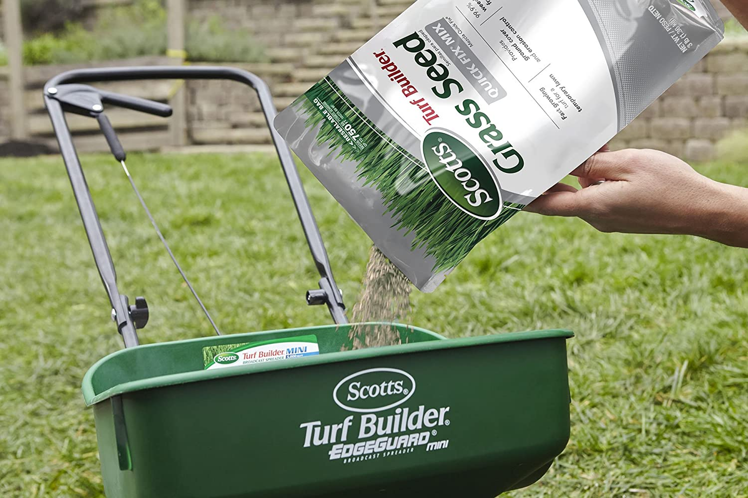 Scotts Turf Builder Quick Pounds Image 2