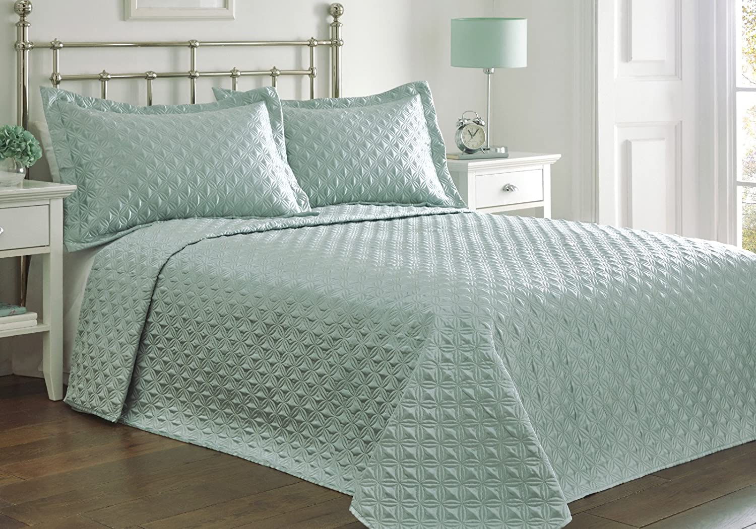 Portfolio Faux Silk Bedspread And 2 Pillowcase Quilted Throw Over Set,  Polyester, Mint Blue Green, Double: Amazon.co.uk: Kitchen U0026 Home
