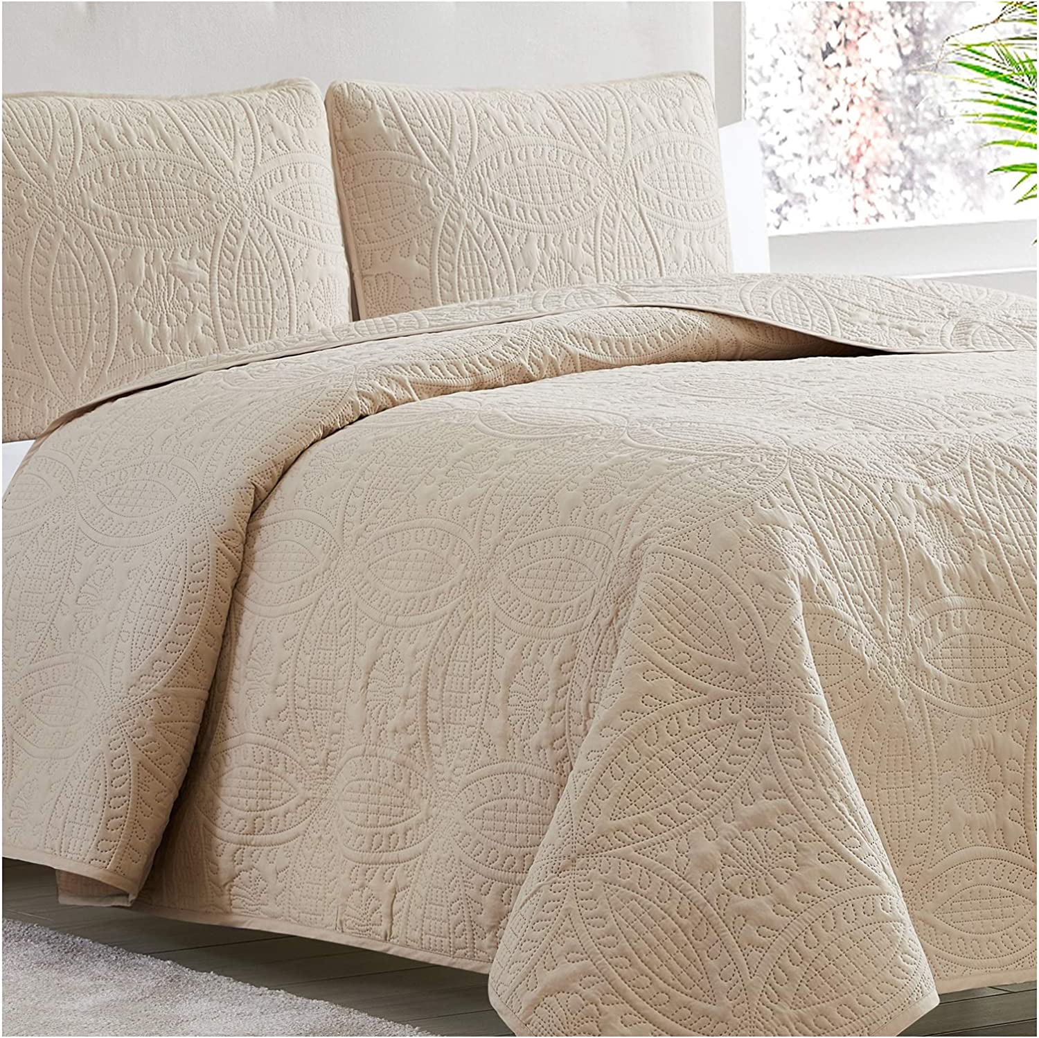 Mellanni Bedspread Coverlet Set Beige - Comforter Bedding Cover - Oversized 3-Piece Quilt Set (Full/Queen, Beige)