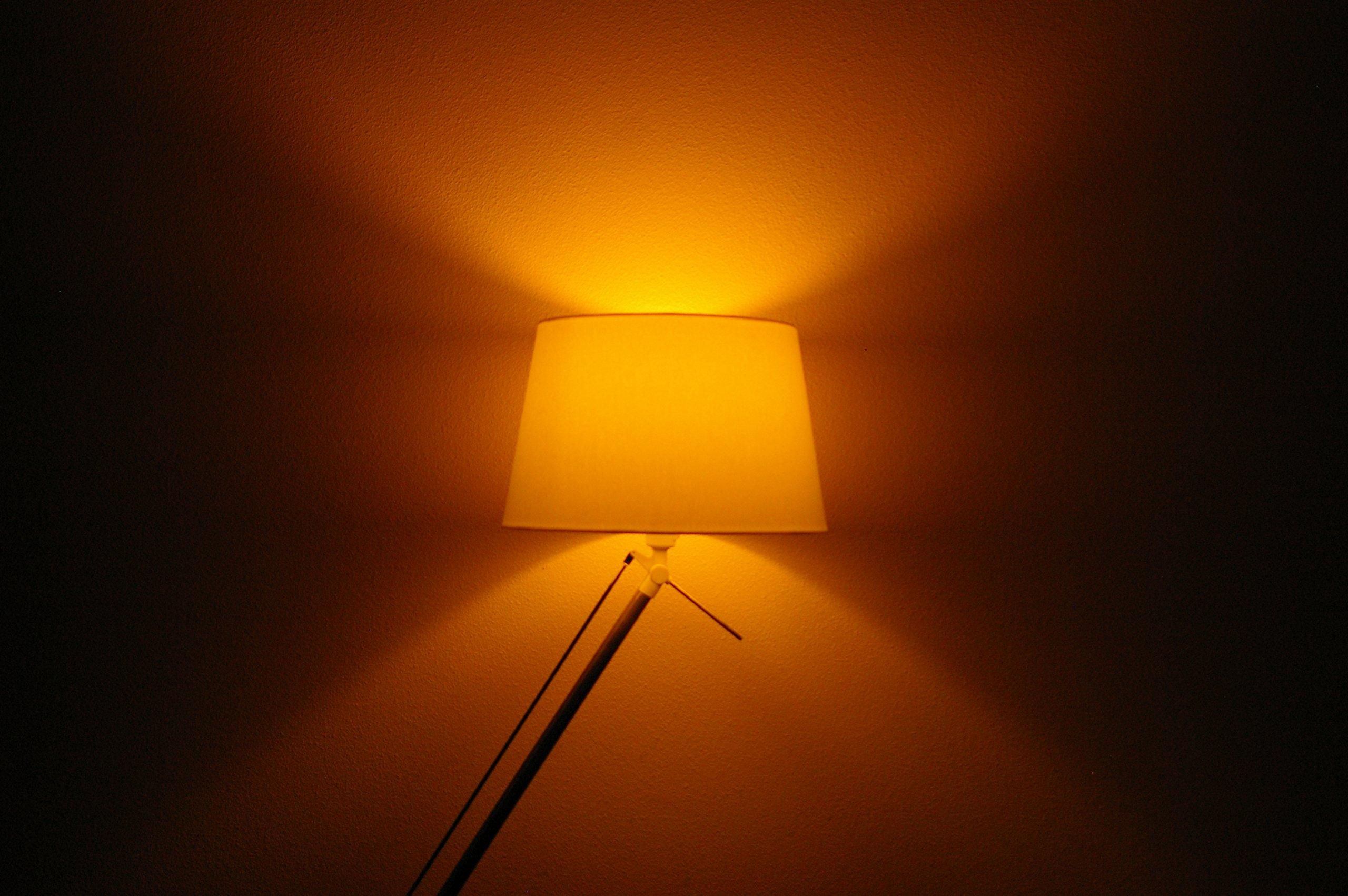Innr E27 Smart LED Lampe, Color, dimmbar, RGBW, kompatibel mit Echo Plus und Philips Hue* RB 185 C