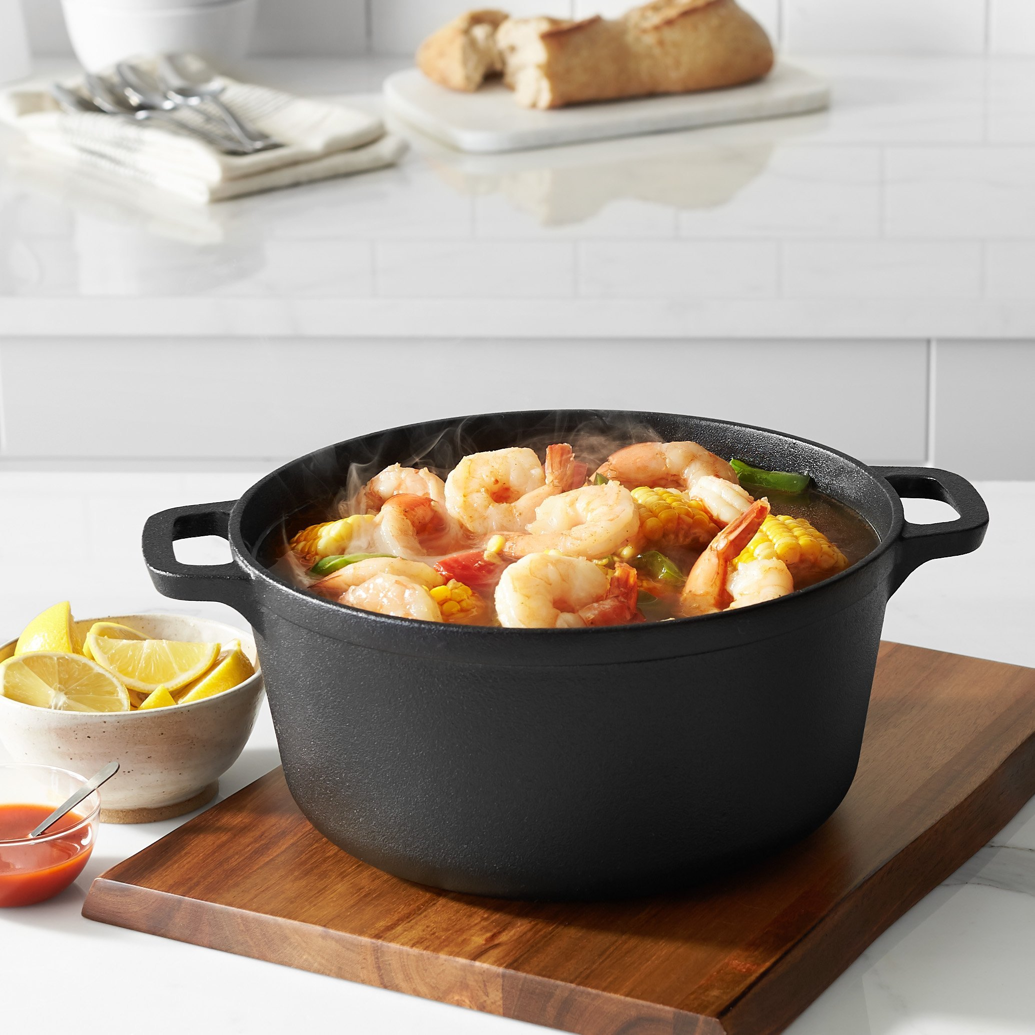 AmazonBasics Pre-Seasoned Cast Iron Dutch Oven with Dual Handles - 5-Quart by AmazonBasics (Image #3)