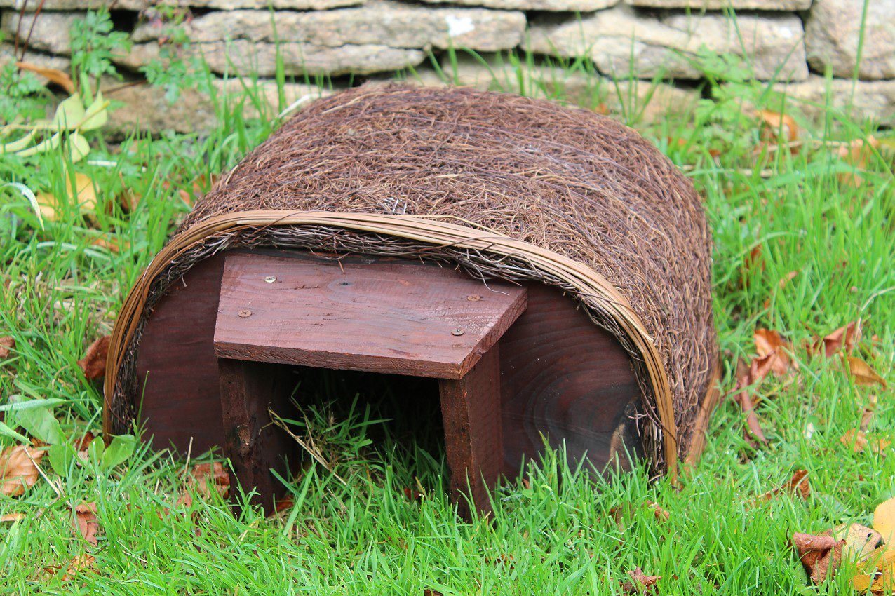 Outdoor Garden Hedgehog House - Provides Shelter And Sanctuary Leisure Traders