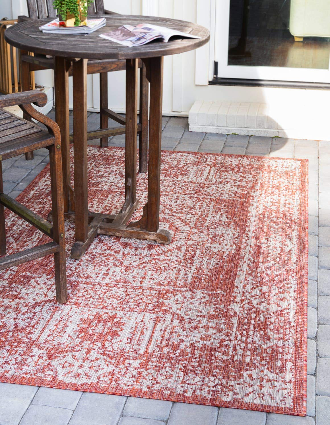 Unique Loom Outdoor Traditional Collection Distressed Vintage Medallion Transitional Indoor and Outdoor Flatweave Rust Red Area Rug 4 0 x 6 0