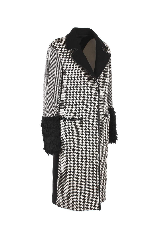 Amazon.com  Pinko Cappotto Donna 40 Nero Bianco Manuele Autunno Inverno 2018  19  Clothing fff066e8dbf