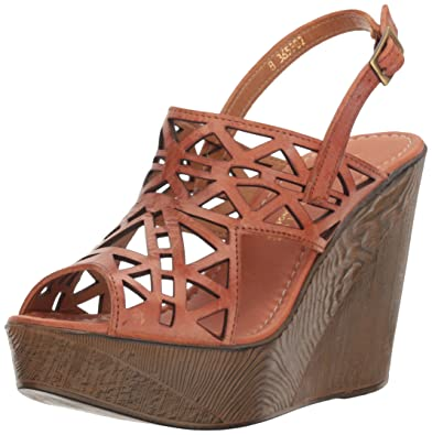 37297c9d5a79 Amazon.com  Very Volatile Women s Screen Wedge Sandal  Shoes