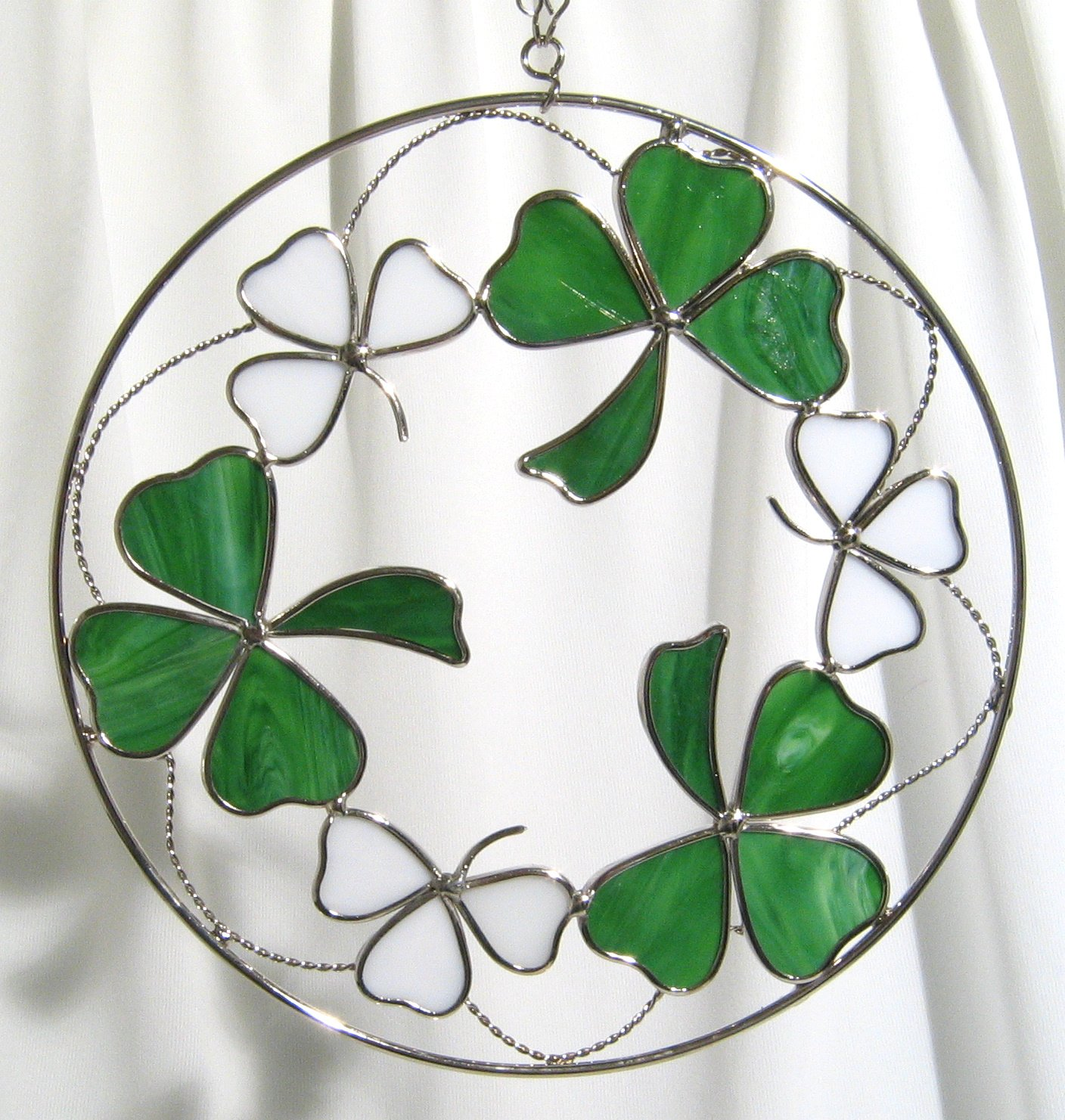 8 Inches Round Stained Glass Shamrocks