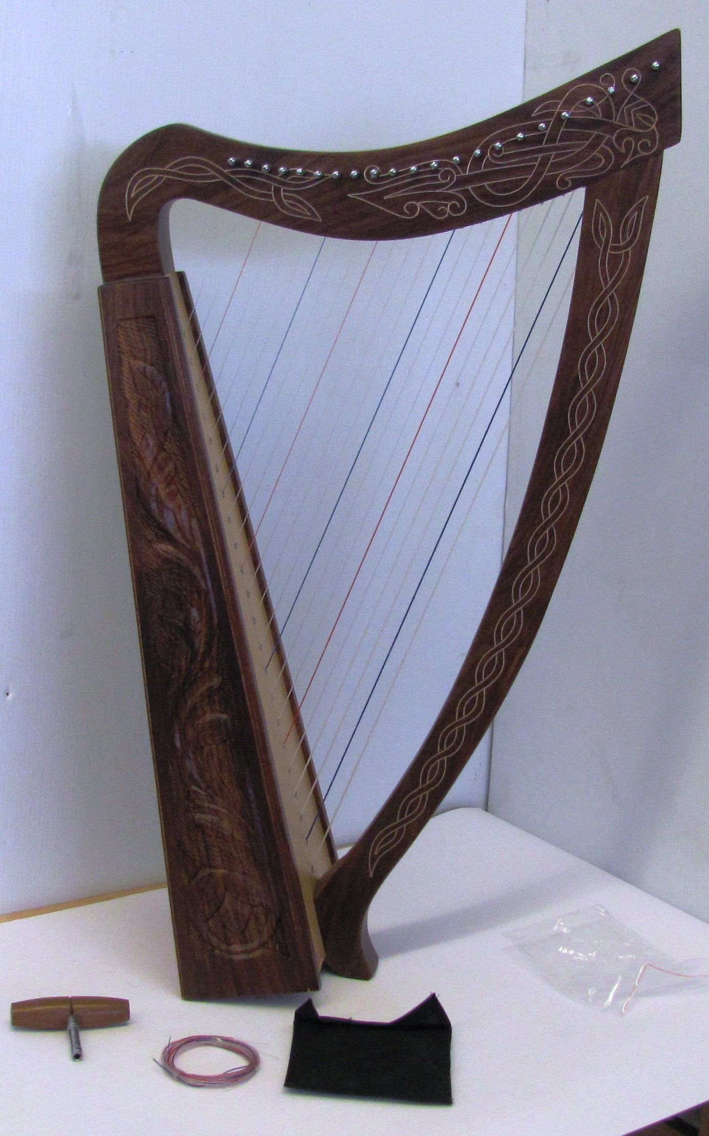 36 INCH 22 String Harp Celtic Irish Style Solid wood free Carrying Bag strings and Tuner by Sturgis