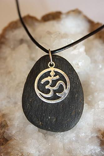Colgante con piedra negra y el símbolo del OM/Regalo yoga ...