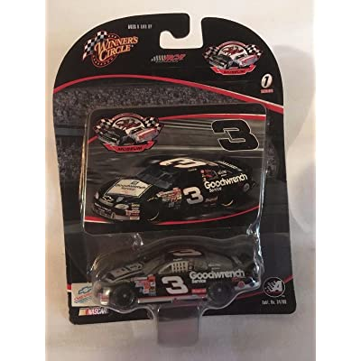 1999 Dale Earnhardt Sr #3 Monte Carlo Goodwrench Service Plus Square White Sign On Hood Paint Scheme 1/64 Scale Diecast & Photo Card Insert Museum Series Winners Circle: Toys & Games
