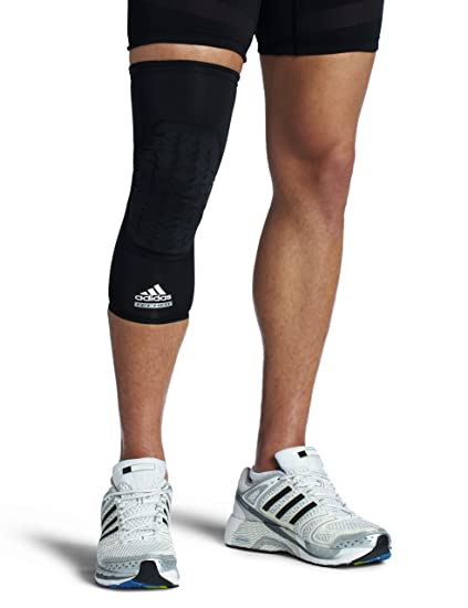 6705ddf31b Amazon.com : adidas Men's Techfit Padded Compression Knee Sleeve ...
