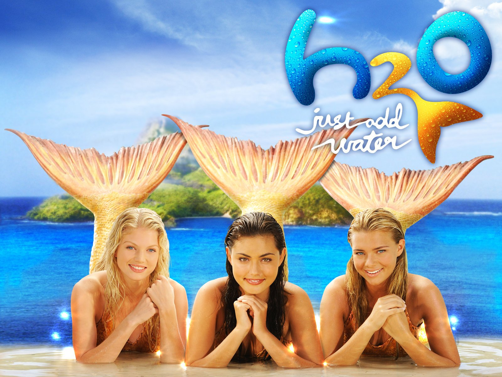 Amazon H2O Just Add Water Season 3 Cariba Heine Claire Holt Phoebe Tonkin Angus McLaren Burgess Abernethy Cleo Massey Alan David Lee