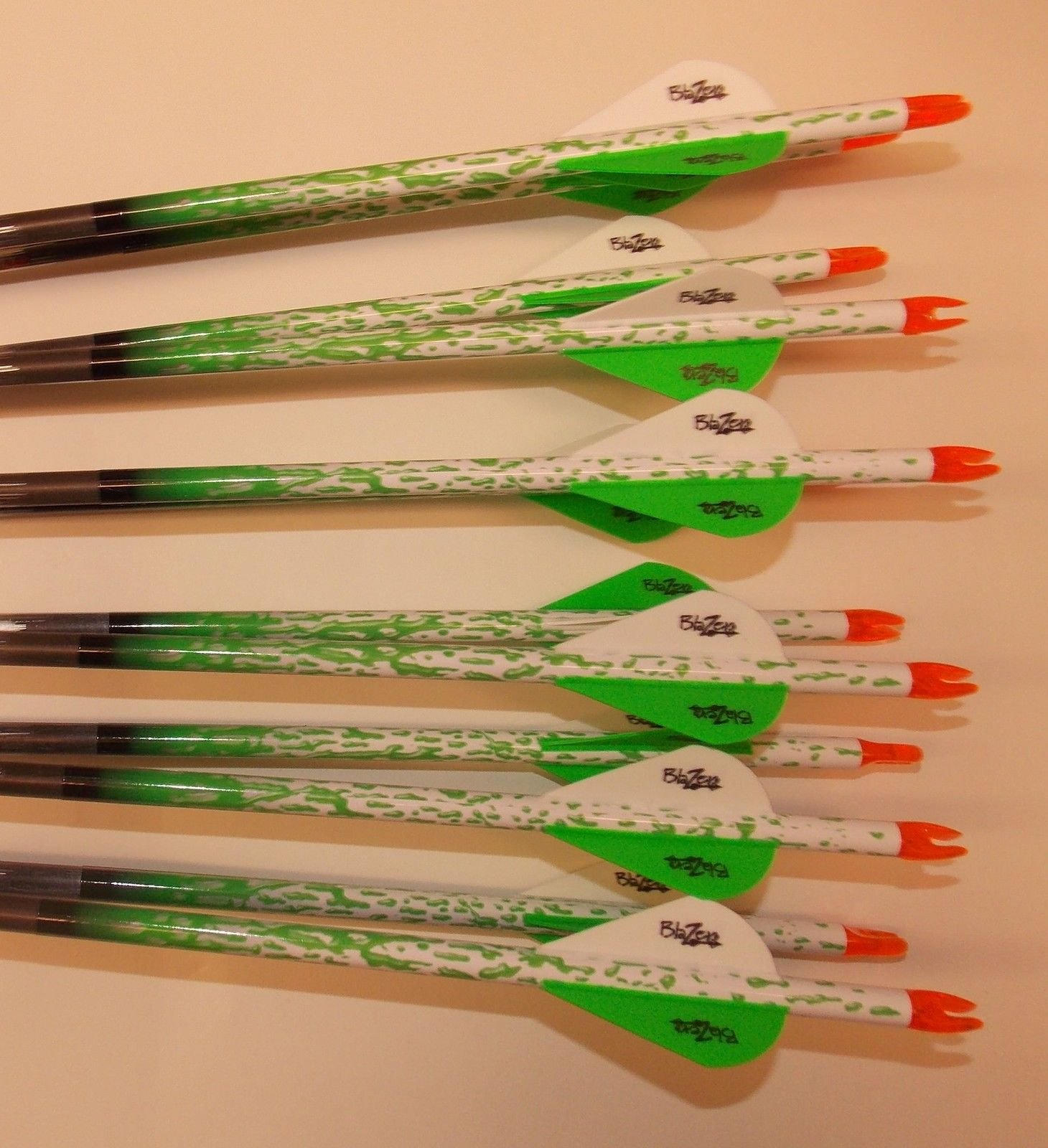 Beman ICS Percision Hunter 340 Carbon Arrows w/Blazer Vanes Bullseye Rain Wraps 1 Dz.