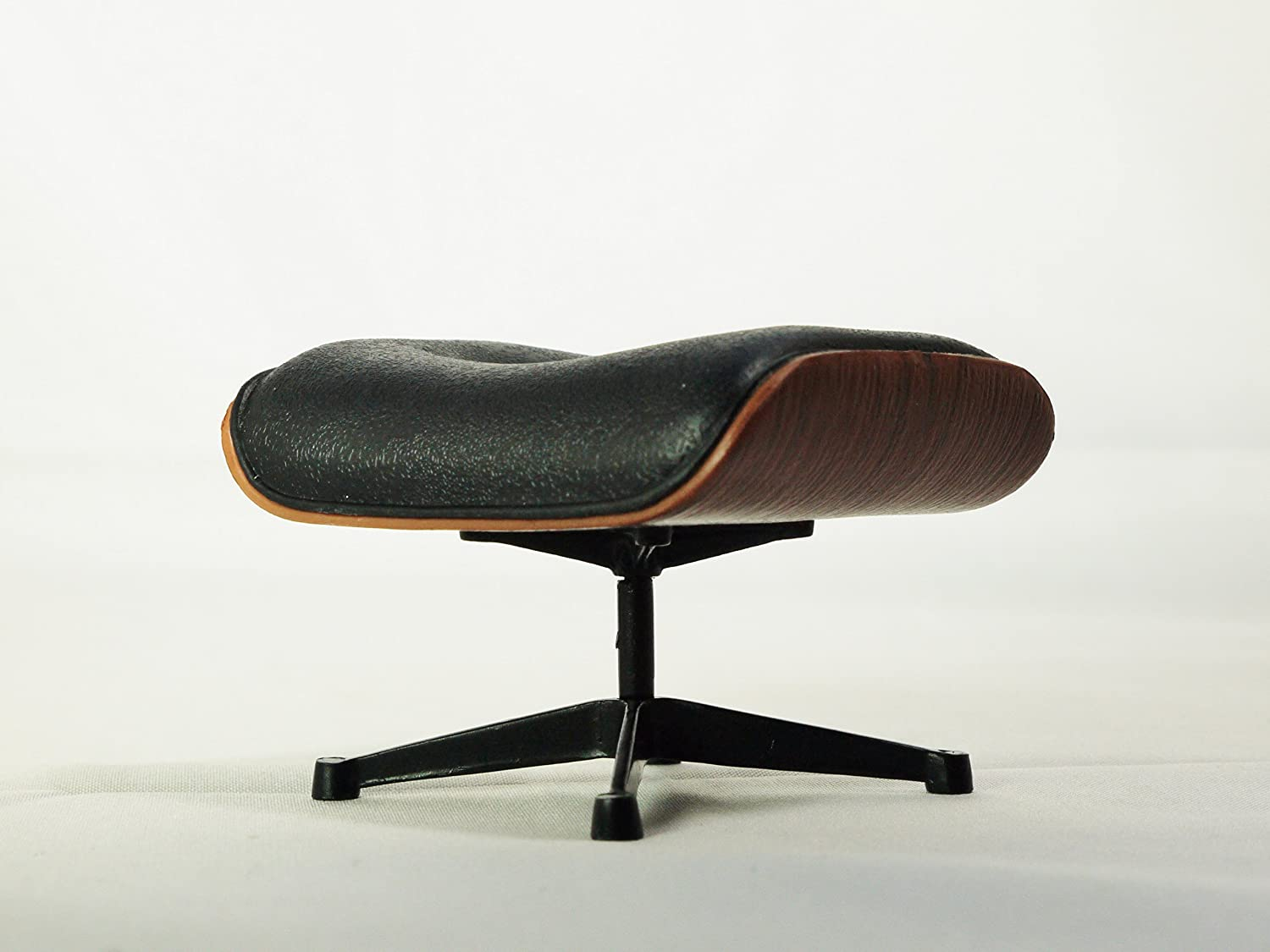 Amazon Com Reina Design Interior Collection 1 12 Designers Chairs Vol 2 Eames Ottoman By Charles And Ray Eames 1956 Black Color Toys Games