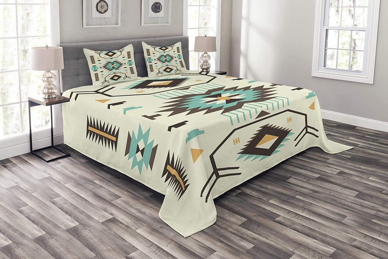 Ambesonne Southwestern Bedspread, Ethnic Illustration of a Zigzags Design Triangular Iconic Artwork Motifs, Decorative Quilted 3 Piece Coverlet Set with 2 Pillow Shams, Queen Size, Pale Yellow