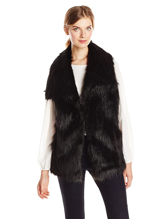 Via Spiga Women's Black Faux Fur Vest at Amazon Women's Coats Shop