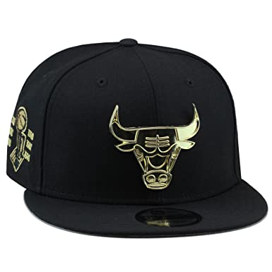 4b32bba60ac New Era Chicago Bulls Snapback Hat Cap Black Gold Metal Badge 6X  Championship Patch  Amazon.co.uk  Clothing