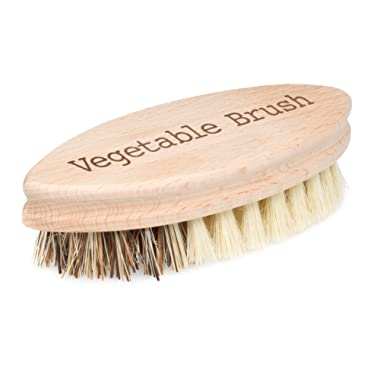 Redecker Hard and Soft Side Vegetable Brush, Durable Beechwood Handle, 2 Different Bristle Strengths for Cleaning Delicate or Tough-skinned Vegetables, 5-1/4 , Made in Germany