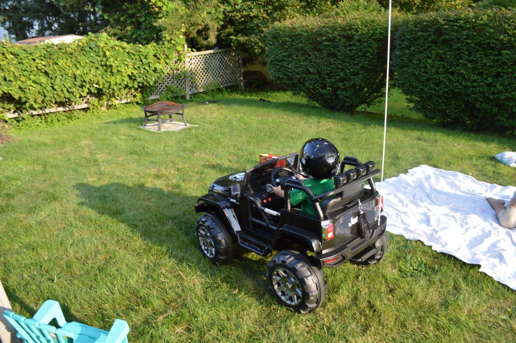 12V Battery Operated Kids Ride On Truck with Remote Control, Black photo review