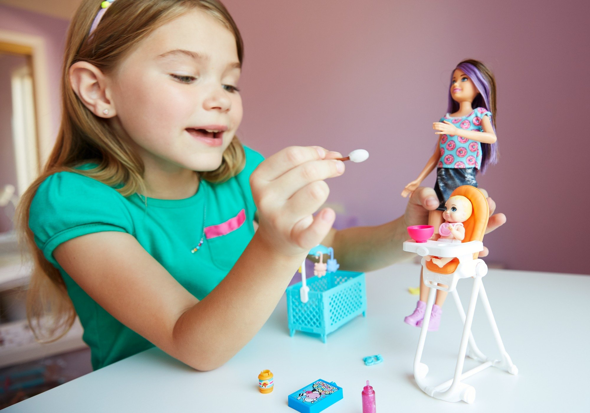 Barbie Skipper Babysitters Inc. Doll and Feeding Playset by Barbie (Image #7)