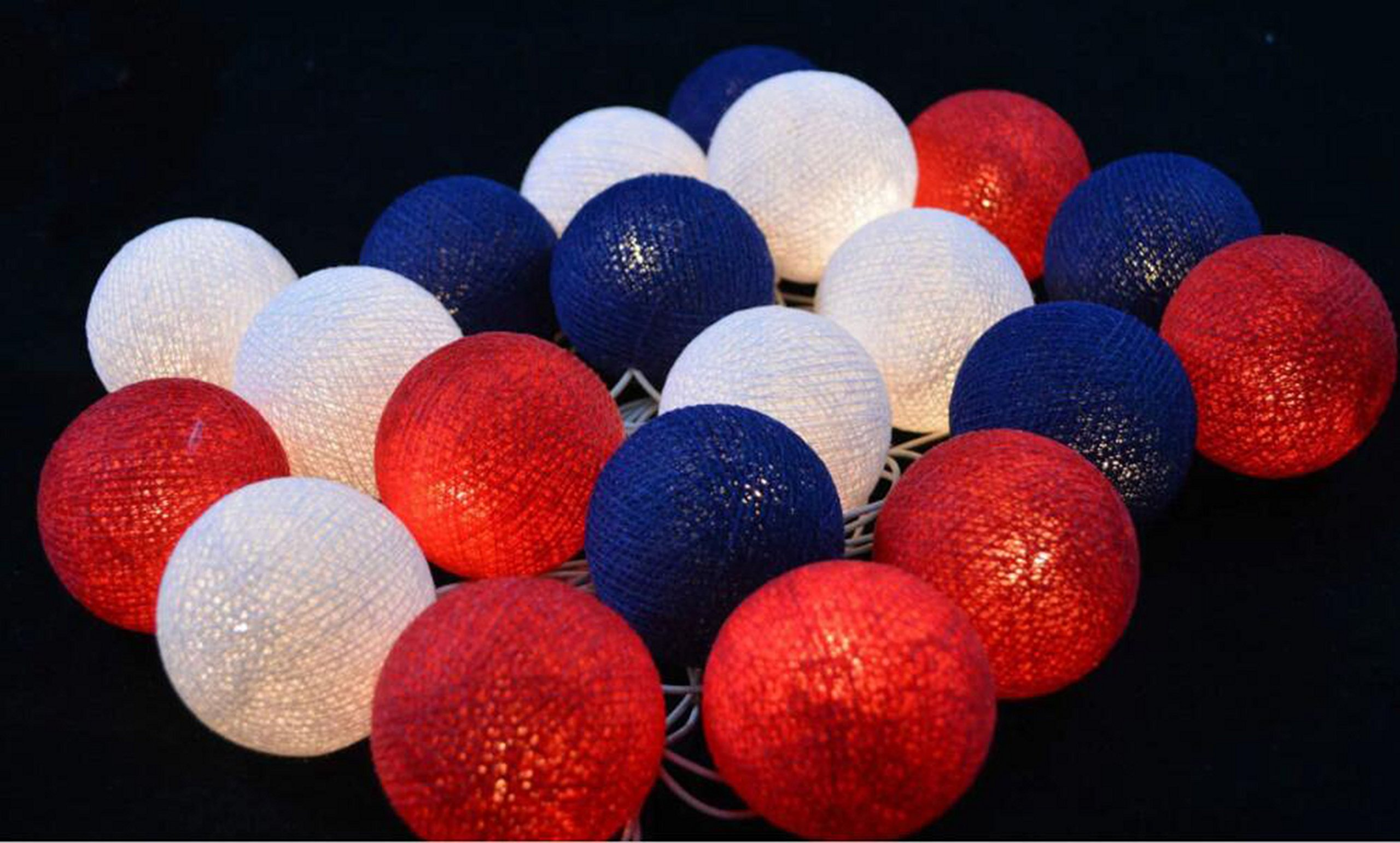 2.5m 20 LED Red White Blue Cotton Balls String Lights Battery Operated LED Garland Outdoor Garden Wedding Party Christmas Decorations Kids Room Decoration Lights July 4th Patriotic Party Decor
