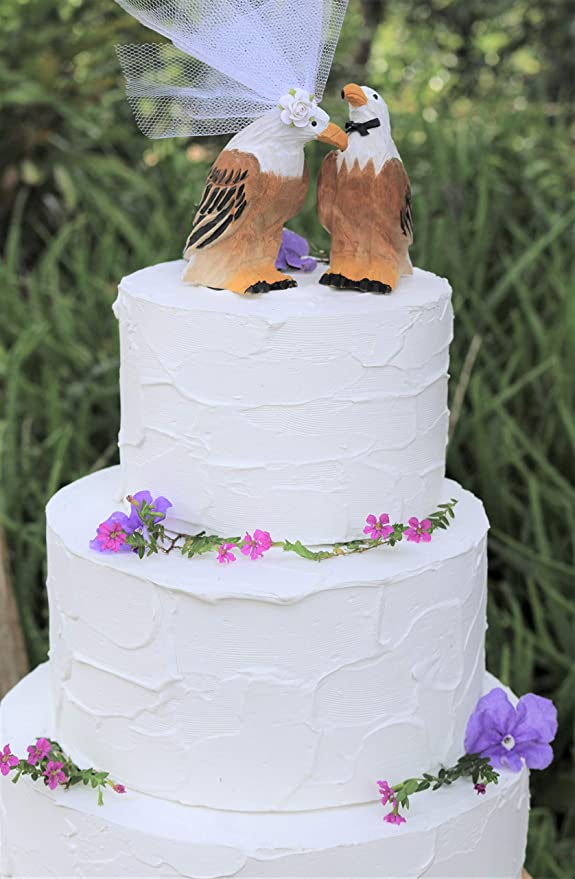 Amazon Com American Bald Eagle Cake Topper Bride And Groom Love Bird Wedding Cake Topper In Brown White And Yellow Kitchen Dining