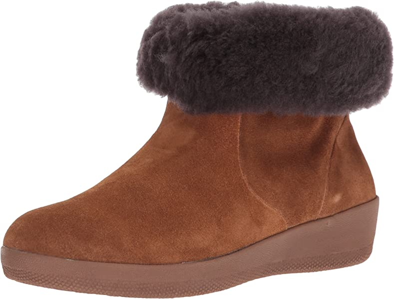 7bde131b3 Amazon.com  FitFlop Women s SKATEBOOTIE Suede Boots with Shearling ...