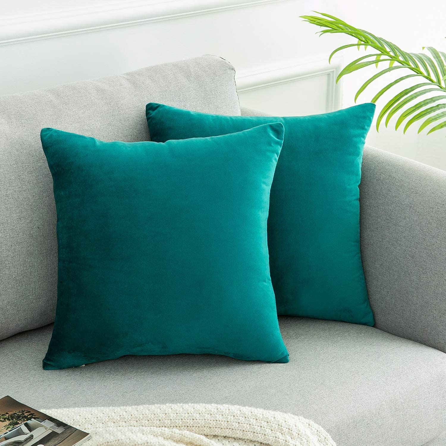 WLNUI Set of 2 Soft Velvet Teal Blue Pillow Covers 18x18 Inch Square Decorative Throw Pillow Covers Cushion Case for Sofa Couch Home Farmhouse Decor
