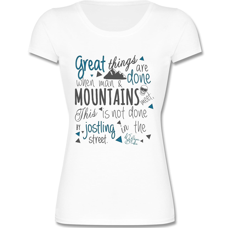 Après Ski - Great things happen Mountain - Kurzarm T-Shirt für Damen mit weitem Rundhalsausschnitt