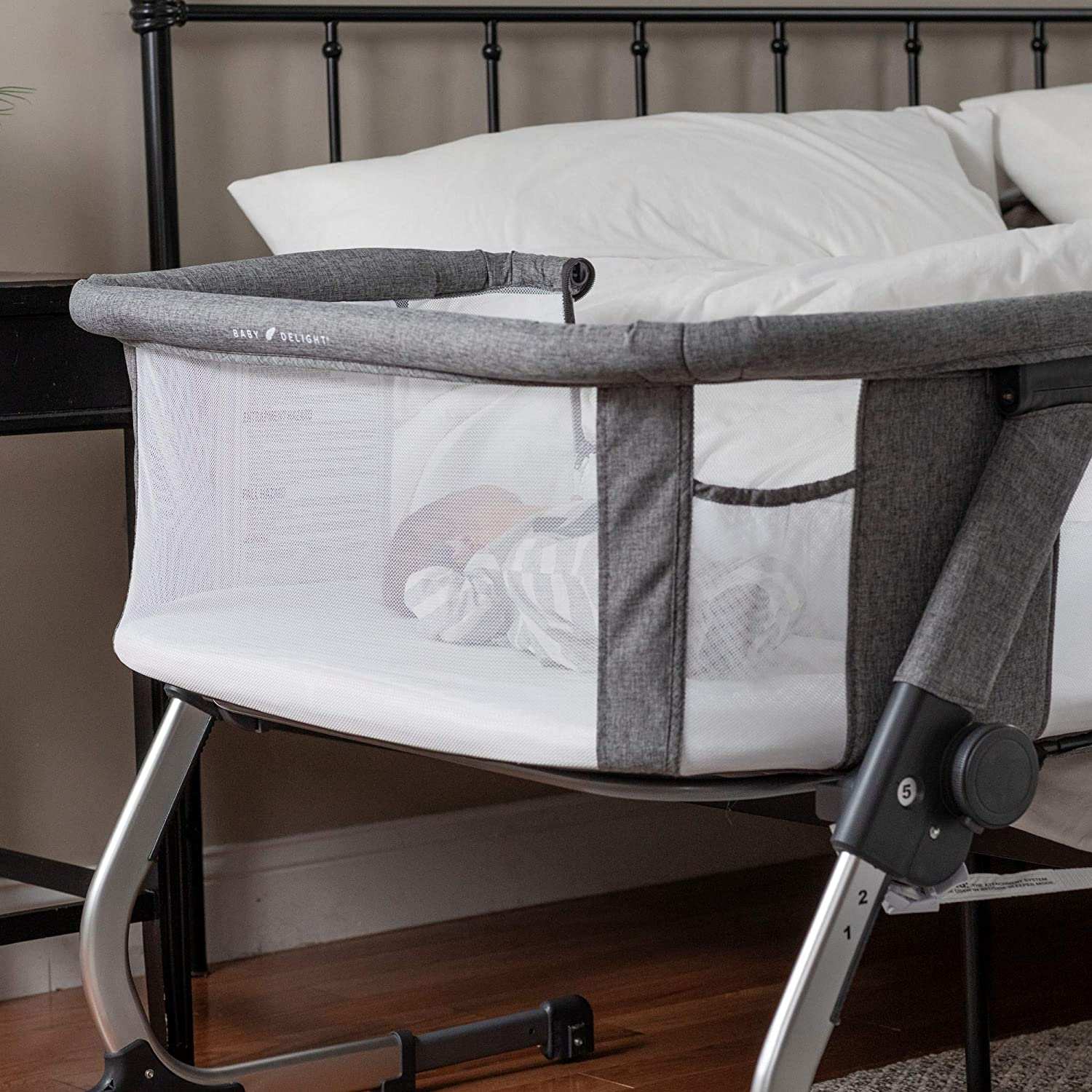 Baby Delight  Bassinet & Bedside Sleeper