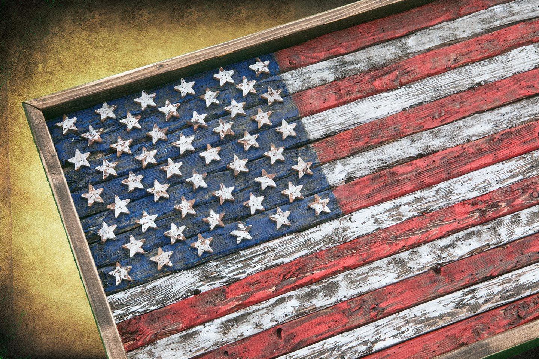 fa61661f16e Amazon.com  American Flag