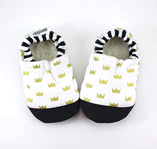 ca840c4bfd6 Amazon.com  gold crown baby shoes