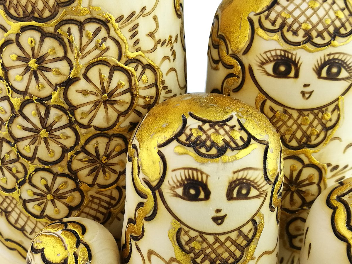 Winterworm Beautiful Attractive Adorable Exotic Glossy Yellow Gold Flower Pattern Handmade Wooden Russian Nesting Dolls Matryoshka Dolls Set 10 Pieces for Kids Toy Birthday by Winterworm (Image #7)