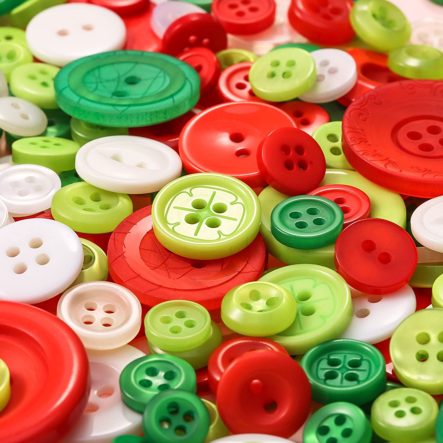 100 g Mixed Colors and Sizes Christmas Buttons Resin Sewing Buttons for Scrapbook DIY Craft Wedding Decoration