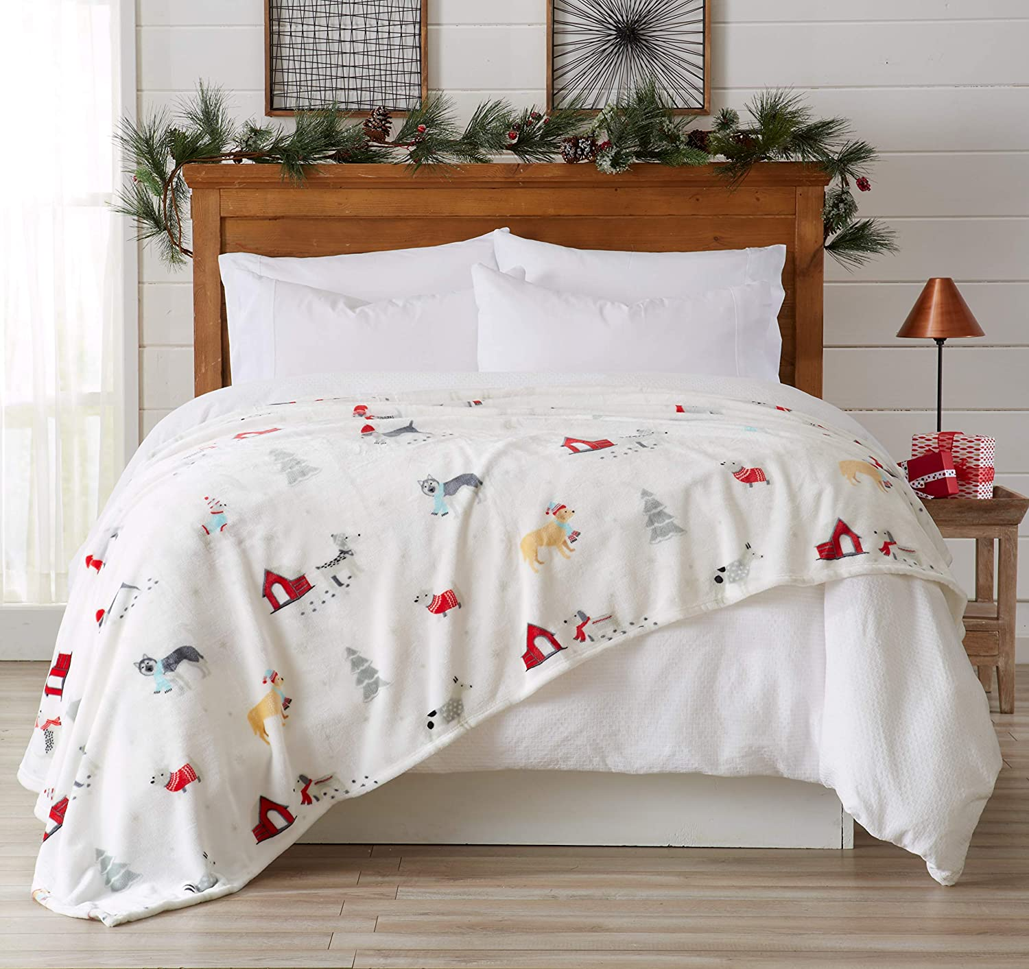 Great Bay Home Decorative Holiday King Blanket. Super Soft Velvet Plush Christmas Design. (Pups in The Snow)