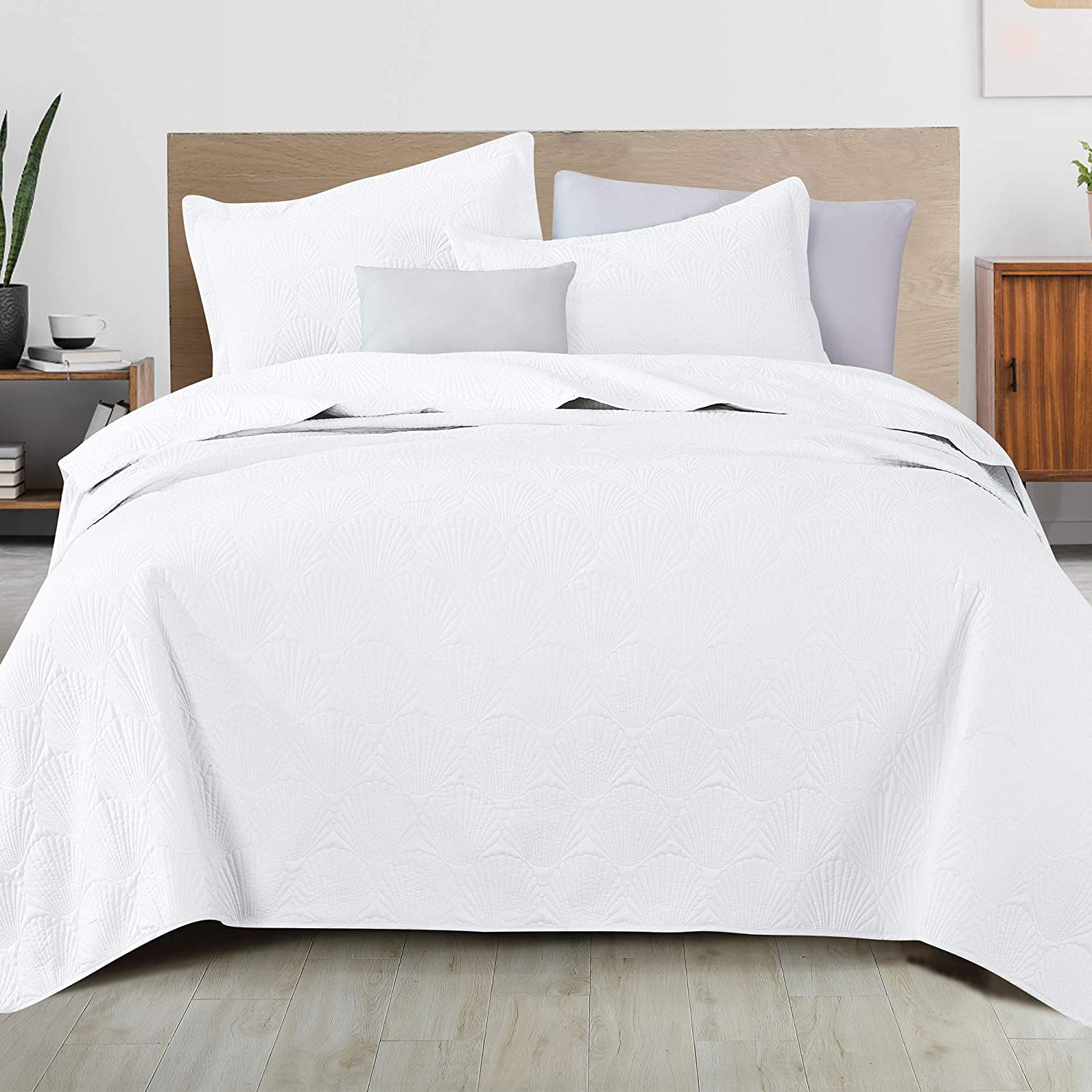 3-Piece Shell Stitched Solid Quilt Set with Sham. King Quilt Set, All Season Bedspread Quilt Set, Biscayne Bay Collection (King, White)