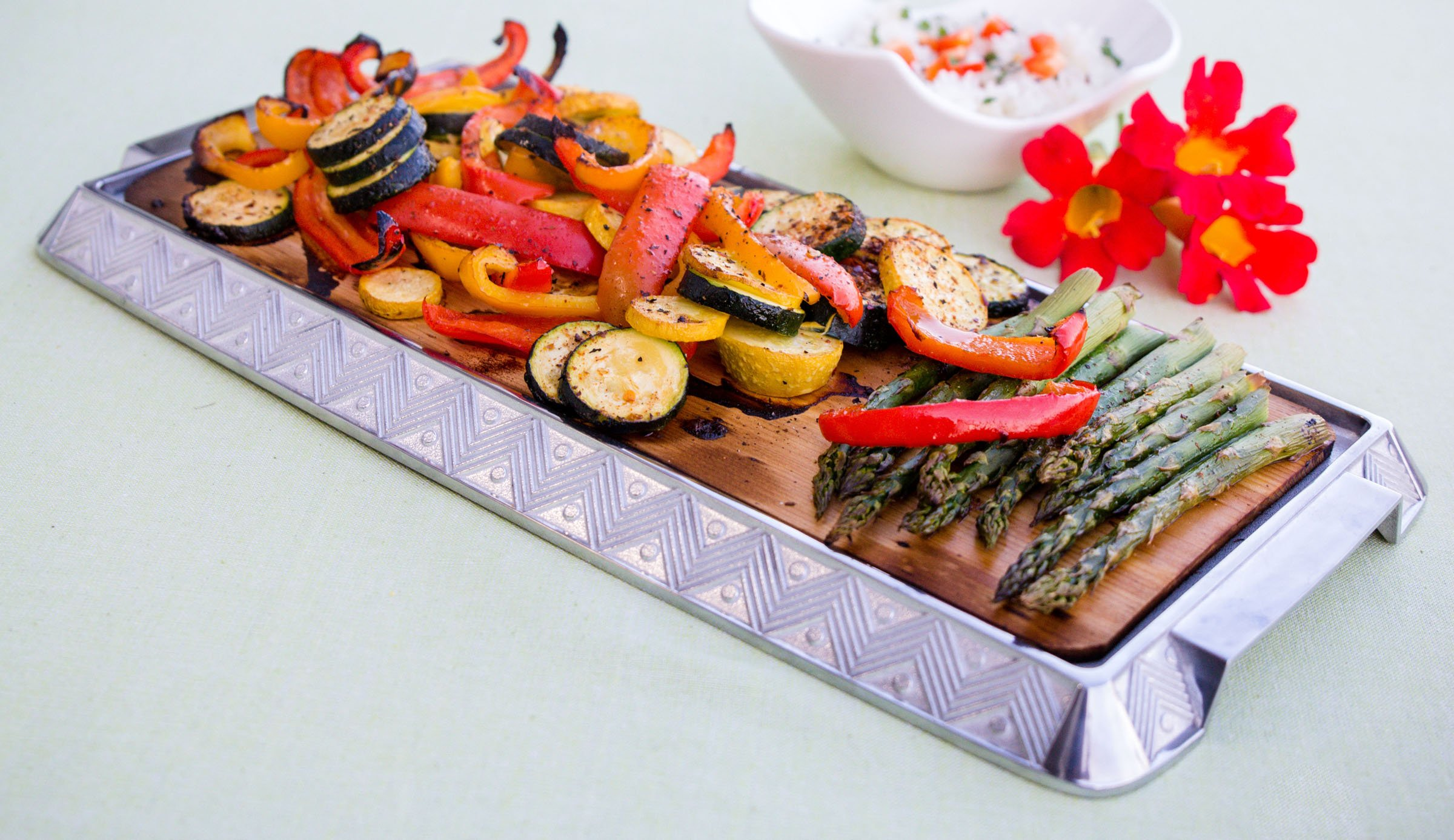 Coastal Cuisine 14 Pack 7x16'' Cedar Grilling Planks + Aluminum Serving Platter – Perfect for any grilling enthusiast.  Enjoy delicious restaurant quality meals and a stunning presentation. by Coastal Cuisine (Image #5)