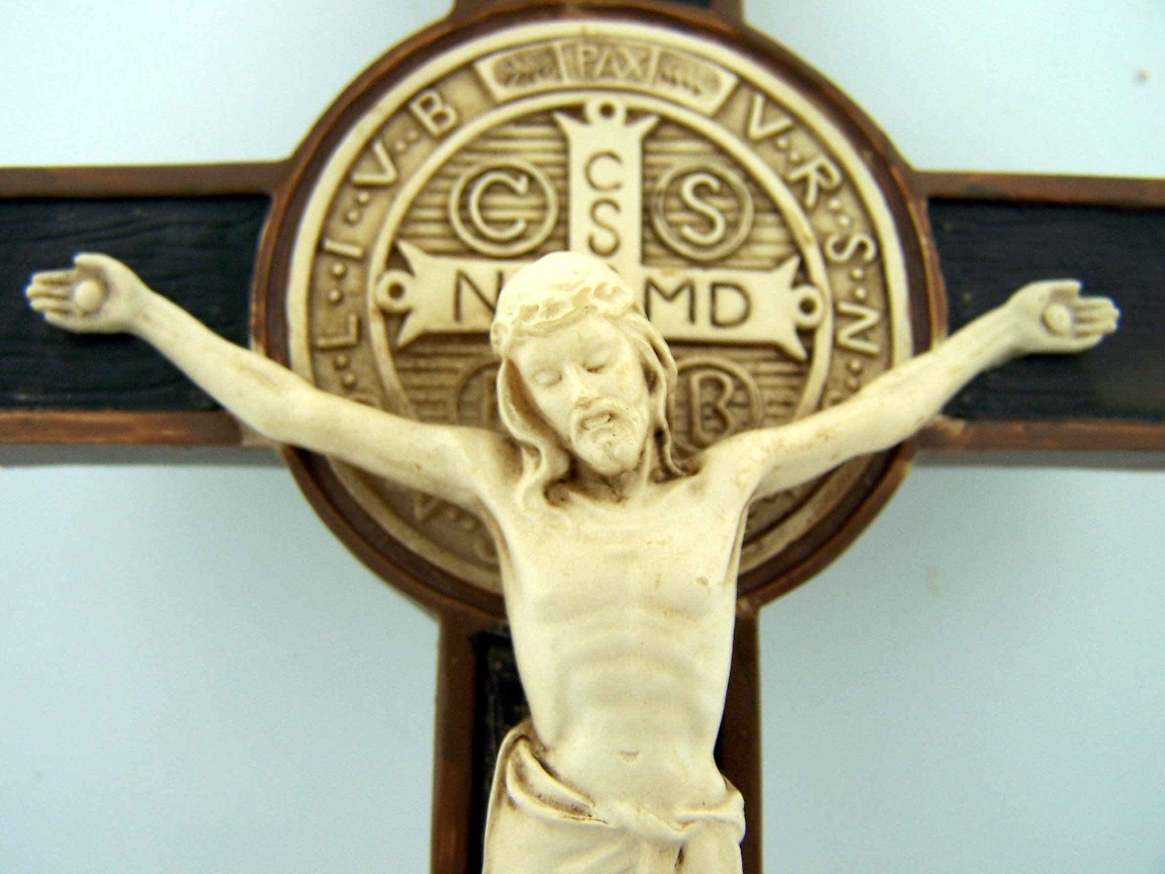 Saint Benedict Cross Crucifix Medal Wall Exocism Ivory Tone 7 Inch Carved Detail