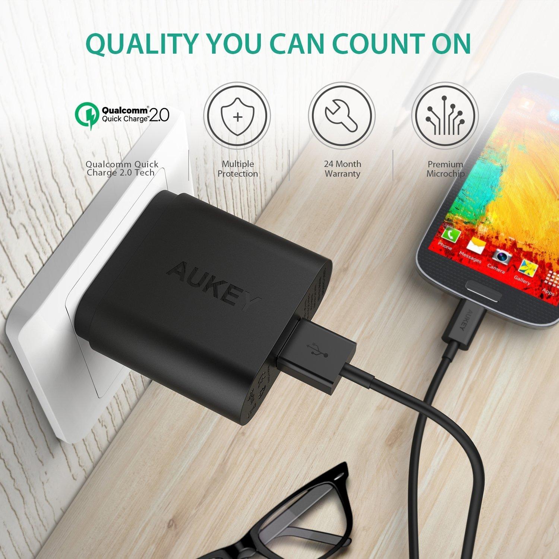 AUKEY Quick Charge 2.0 Cargador Universal USB con Certificación Qualcomm Enchufe Europeo (Negro)
