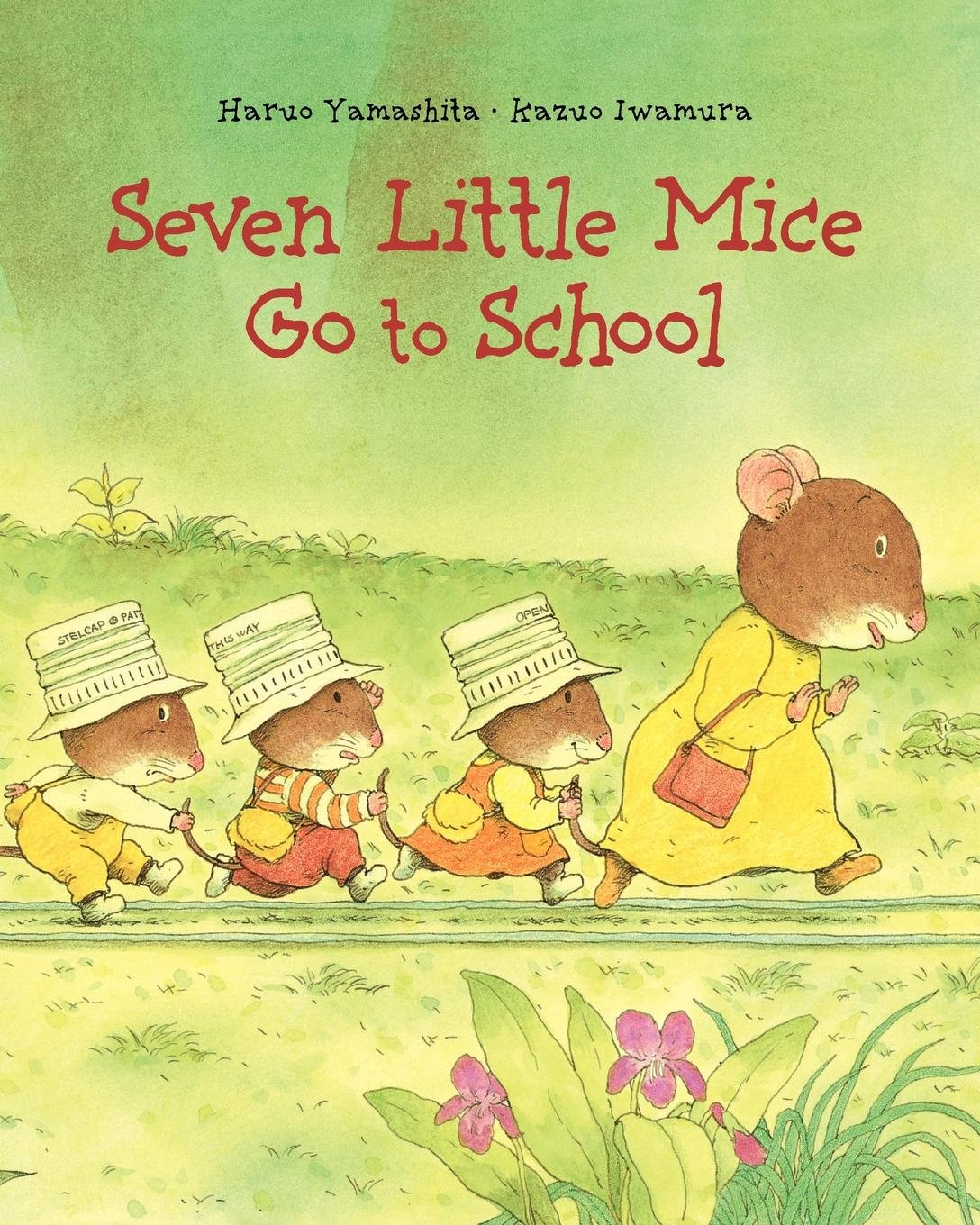 Seven Little Mice Go To School: Kazuo Iwamura: 9780735840126: Amazon.com:  Books